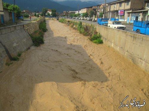 خسارت باران به واحد های مسکونی و جاده های بندرگز / تصاویر