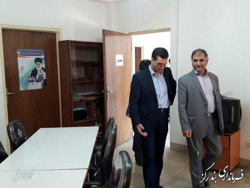 مدیرکل اداری و مالی استانداری از فرمانداری  و بخشداریهای تابعه شهرستان بندرگز دیدارکرد
