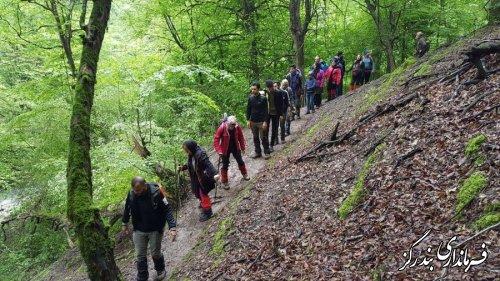 صعود اعضای هیئت کوهنوردی نوکنده به آبشار شفیع آباد