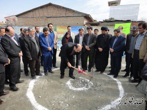 کلنگ ساخت مدرسه خیری در روستای ابراهیم اباد به زمین زده شد