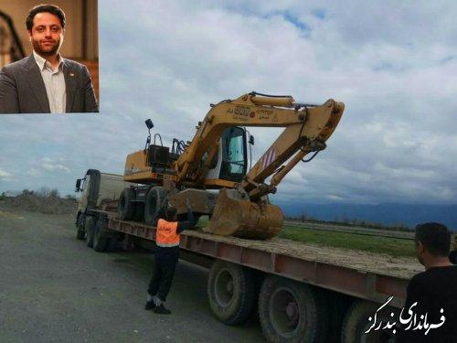 ماشین آلات مورد نیاز مناطق سیل زده شهرهای گلستان از بندرگز ارسال شد