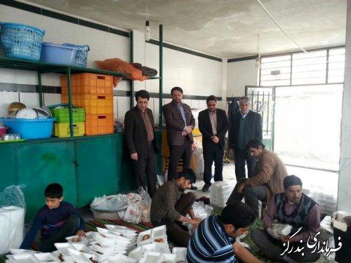 تاکنون 13 هزار پرس غذای گرم از بندرگز برای مناطق سیل زده گلستان ارسال شد