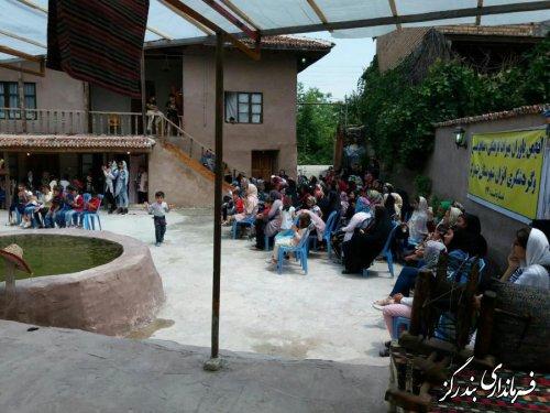 نمایشگاه صنایع دستی در روستای گزشرقی برپا شد