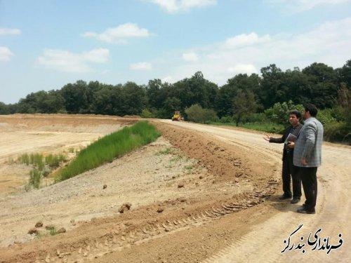 فرماندار بندرگز از عملیات اجرایی آب بندان روستای وطنا بازدید کرد