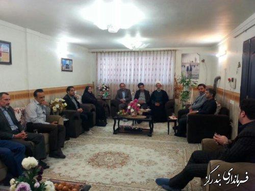 فرماندار بندرگز با خانواده شهید فاجعه منا دیدار کرد