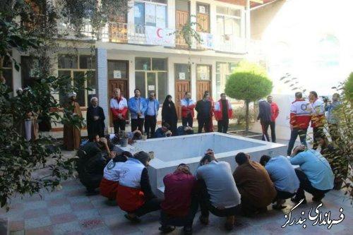 مانور پناهگیری هنگام وقوع زلزله در حوزه علمیه بندرگز برگزار شد
