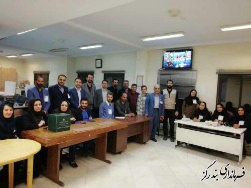 خبرنگاران مستقر در ستاد انتخابات بندرگز رای خود را به صندوق انداختند