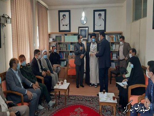 تجلیل امام جمعه و فرماندار بندرگز از رییس بیمارستان شهداء
