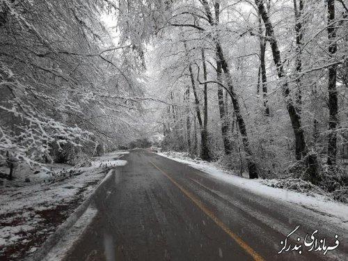 بارش برف موجب لغزندگی جاده ارتباطی نوکنده به وزوار شد