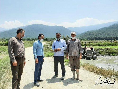 بازدید بخشدار نوکنده از مزارع روستاها