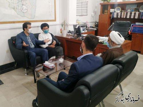 حضور امام جمعه بندرگز در ستاد انتخابات شهرستان